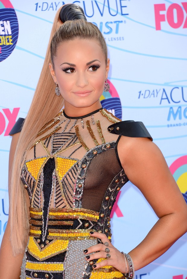 Transparência trai Demi Lovato (Foto: Agência/Getty Images)
