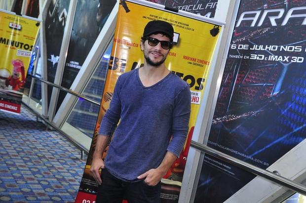 Daniel Oliveira na pré-estreia de '31 Minutos, O Filme' (Foto: Roberto Teixeira / EGO)