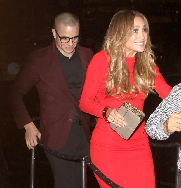 Jennifer Lopez comemora seus 43 anos com o namorado Casper Smart em festa em Nova York, nos Estados Unidos (Foto: X17/ Agência)