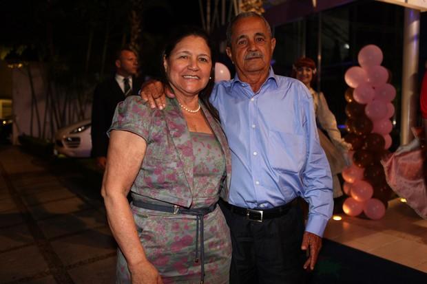 Francisco e Helena, pais de Luciele, no aniversário de Maria Eduarda, filha de Luciele e do jogador Denilson (Foto: Iwi Onodera/ EGO)