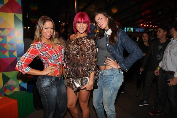As panicats Carol Narizinho, Thais Bianca e Renata Molinaro em festa em São Paulo (Foto: Manuela Scarpa/ Foto Rio News)