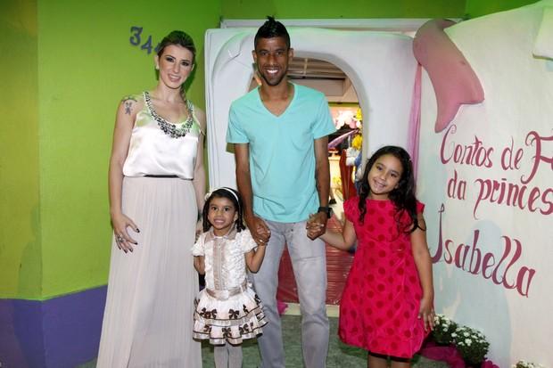 Leo Moura no aniversário da filha (Foto: Felipe Assumpção / AgNews)