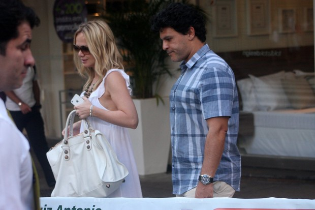 Eliana e marido (Foto: Photo Rio News)