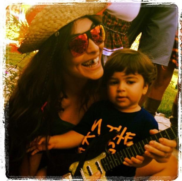 Juliana Paes e Pedro (Foto: Reprodução/ Twitter)