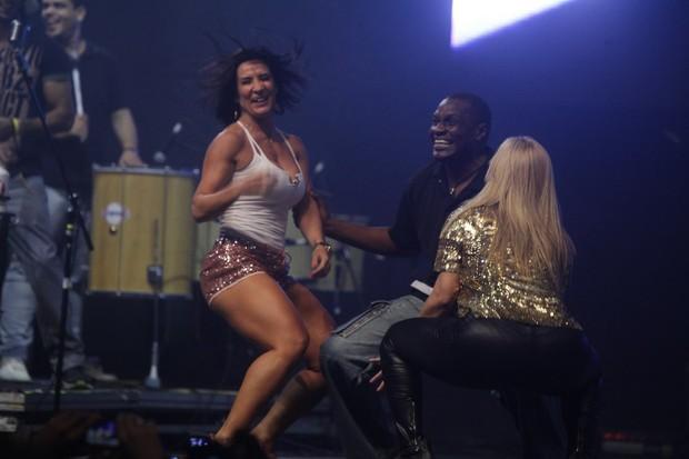 Carla Perez, Jacaré e Scheila Carvalho em show no Rio (Foto: Fred Pontes/ Divulgação)