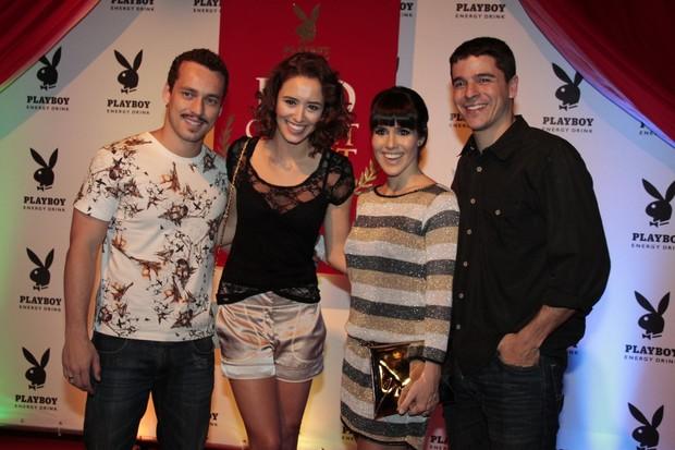 Rodrigo Andrade, Amanda Richter e Fernanda Pontes com o marido Diogo Boni em festa no Rio (Foto: Isac Luz/ EGO)
