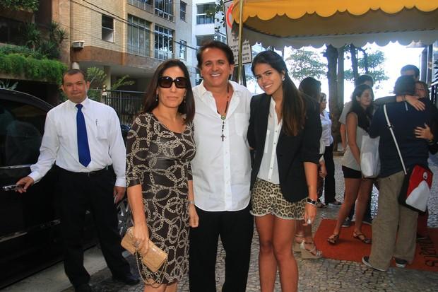 Glória Pires com o marido, Orlando Moraes e a filha, Antônia (Foto: Jeferson Ribeiro e Clayton Militão/ Foto Rio News)