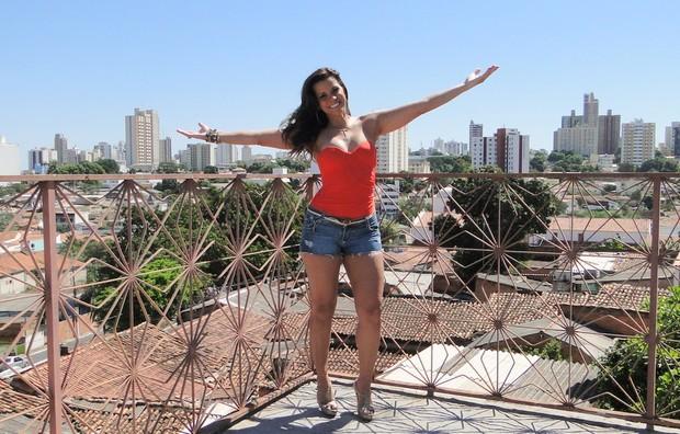 Renata Santos grava clipe do cantor Lukas Gabriel em Cuiabá (Foto: Divulgação)