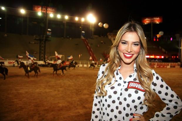 A ex-BBB Adriana em Barretos (Foto: Paduardo / Foto Rio News)
