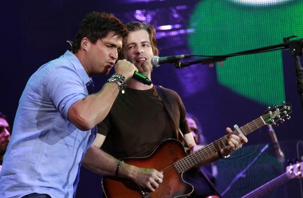 Victor e Léo se apresentam em Barretos (Foto: Isac Luz/EGO)