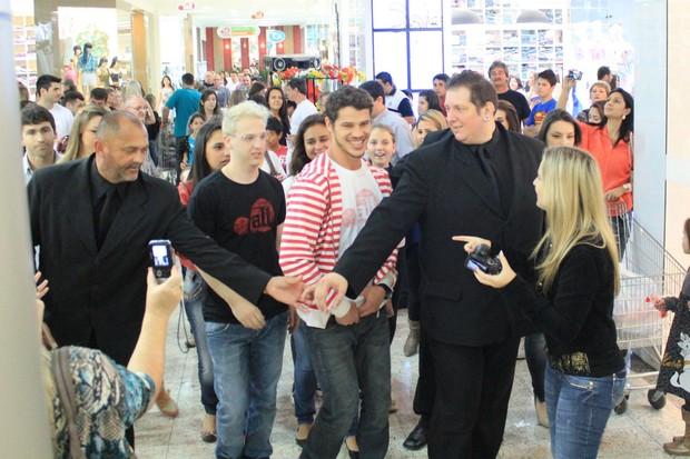 José Loreto participa de evento de moda em Santa Catarina (Foto: Adriano Gatto / Photorionews)