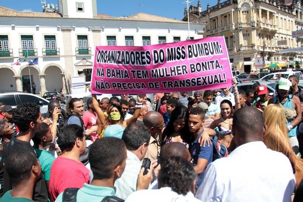 Mulheres protestam na Bahia (Foto: AgNews)