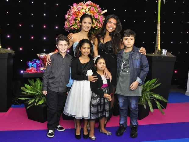 Daniella, filha de Romário, com os irmãos (Foto: Roberto Teixeira/EGO)