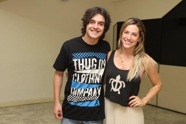 Guilherme Boury e Giovanna Ewbank em Niterói (Foto: Marcello Sá Barretto/ Photo Rio News)