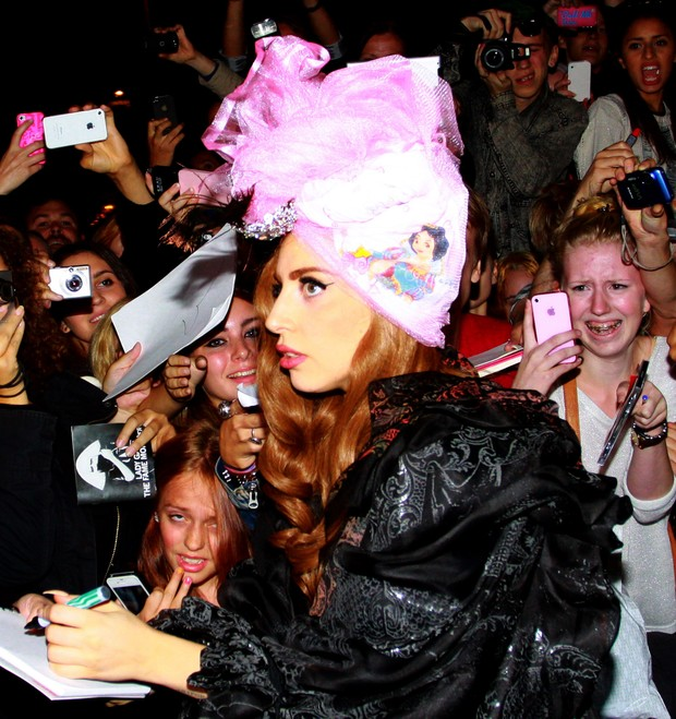 Lady Gaga em Estocolmo, na Suécia (Foto: Grosby Group/ Agência)