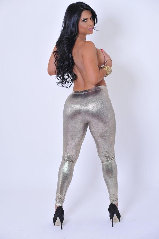 Dani Sperle posa para ensaio sensual (Foto: Vanessa Dalceno/Divulgação)