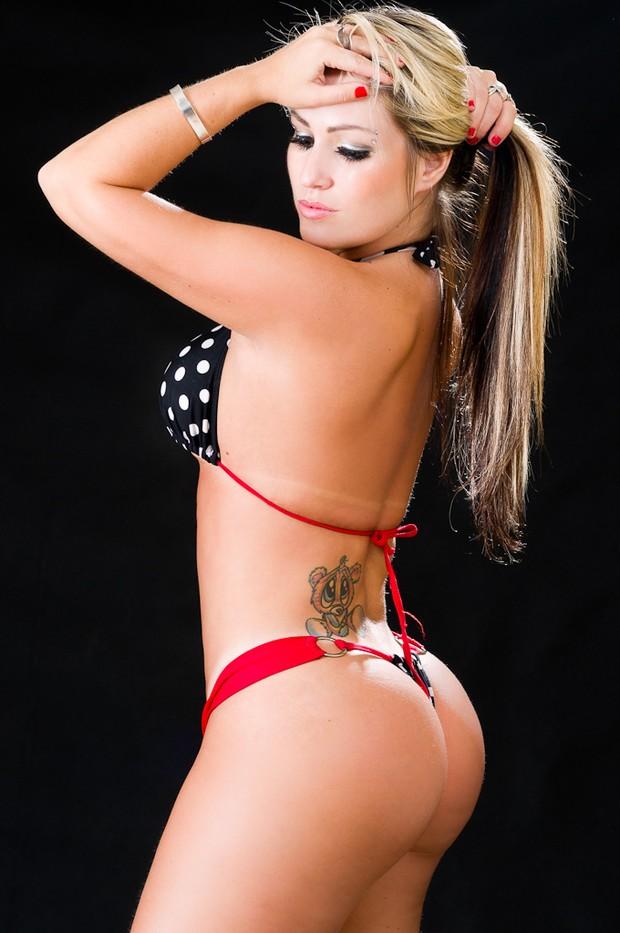 Candidata do Rio Grande do Sul do Miss Bumbum faz ensaio sensual