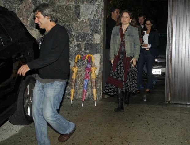 Cláudia Abreu com o marido, José Henrique Fonseca, em festa de Luciano Huck (Foto: Delson Silva/ Ag. News)