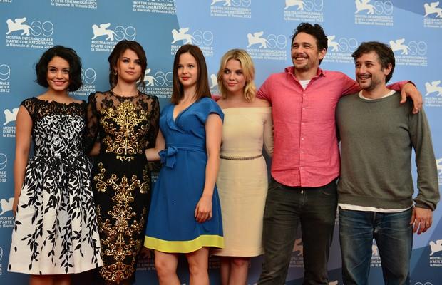 Selena Gomez e Vanessa Hudgens lançam filme em Veneza (Foto: AFP/Agência)