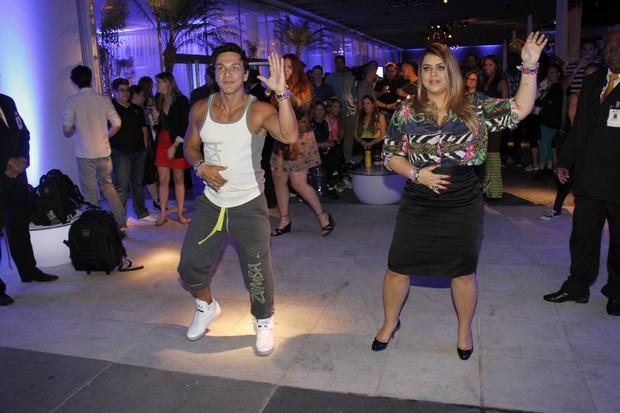 Preta Gil dança em evento no Rio (Foto: Raphael Mesquita/ Foto Rio News)