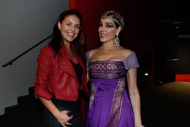 Paloma Bernardi e Christiane Torloni após sessão de peça em São Paulo (Foto: Amauri Nehn/ Ag.News)