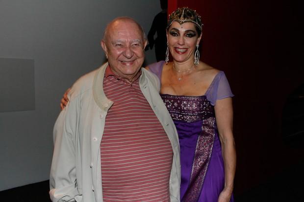 Christiane Torloni com Sergio Mambert após sessão de peça em São Paulo (Foto: Amauri Nehn/ Ag.News)