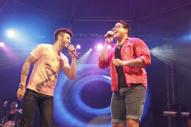 Gusttavo Lima se apresenta no show do Harmonia do Samba no Sauípe Folia (Foto: Isac Luz/EGO)