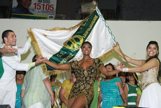 Cris Vianna na quadra da Imperatriz, no Rio (Foto: Thyago Andrade/ Photo Rio News)