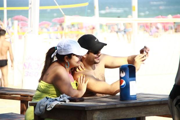 Fabiana Karla com o marido no Rio (Foto: PhotoRioNews)