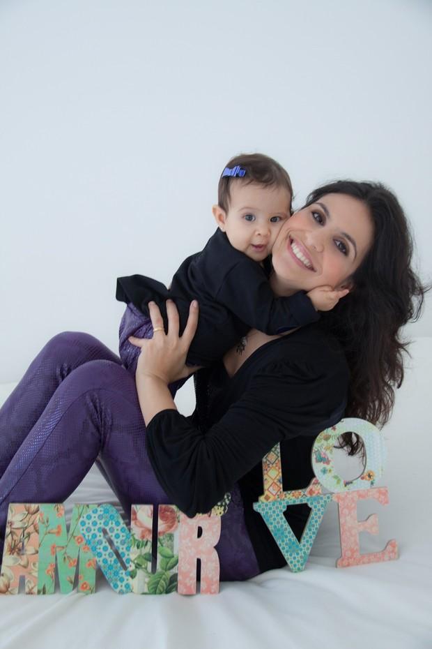 Aline Barros e a filha (Foto: Divulgação/  Rafael kistenmacker )