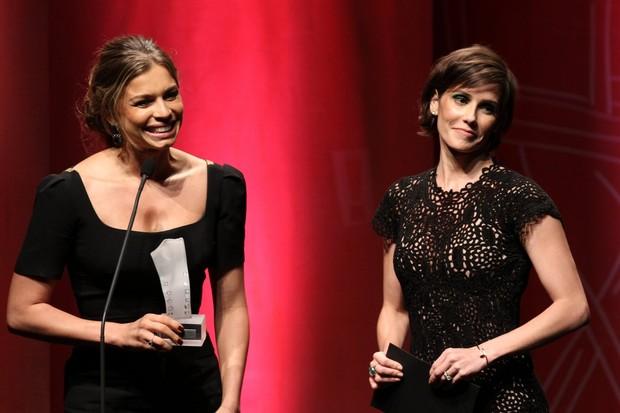 Grazi Massafera e Deborah Secco em premiação no Rio (Foto: Ag. News)