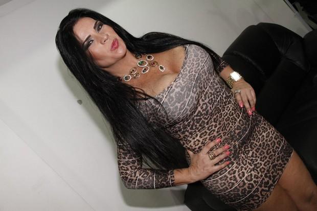 Solange Gomes em show no Rio (Foto: Isac Luz/ EGO)