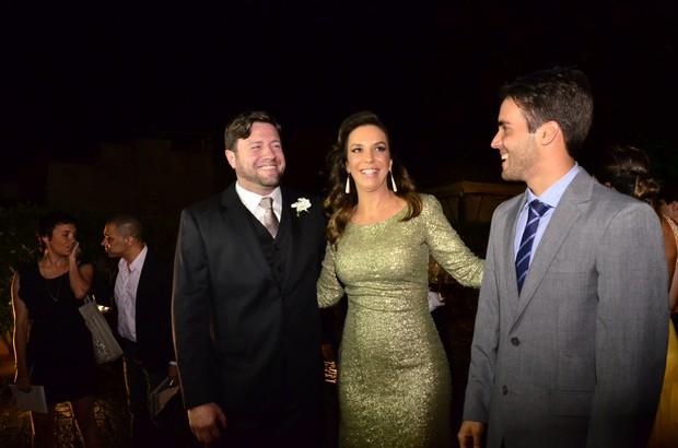 Ivete Sangalo no casamento de Solange e Wagner (Foto: Saulo Brandão / EGO)