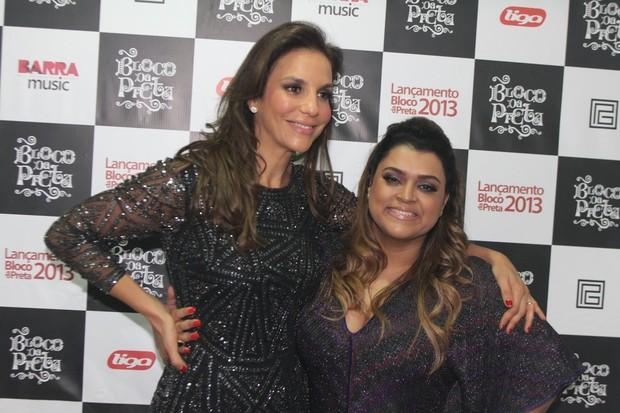 Ivete Sangalo e Preta Gil em bastidores de show no Rio (Foto: Marcello Sá Barretto/ Foto Rio News)