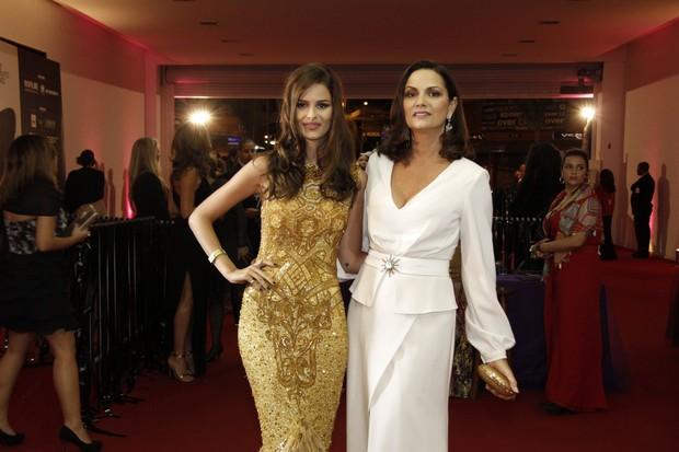 Yasmin Brunet e Luiza Brunet em festival de cinema no Rio (Foto: Isac Luz/ EGO)