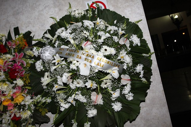 Coroa de flores Marília Gabriela (Foto: Manuela Scarpa/Photo Rio News)