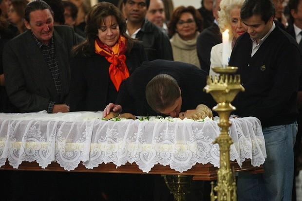 Silvio Santos se despede de Hebe (Foto: Iwi Onodera/EGO)