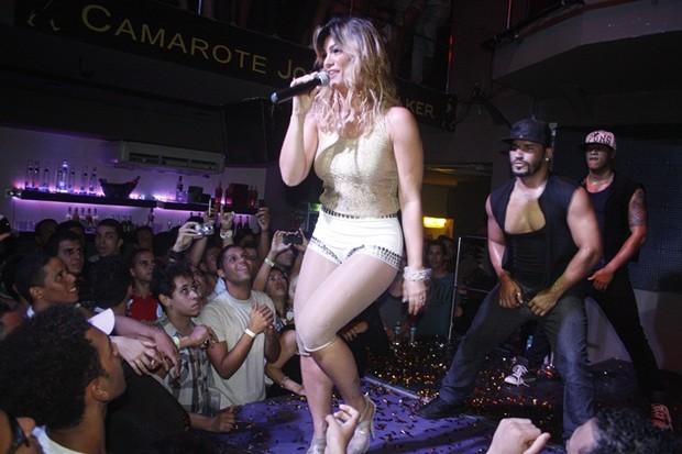 Kelly Key Agita Boate Gls Em Salvador Foto Geo Reis Divulga O
