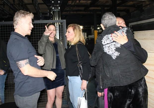 Miguel Falabella, Danielle Winits, Arlete Salles, Patrícya Travassos e Betty Lago após peça no Rio (Foto: Fausto Candelária/ Ag. News)