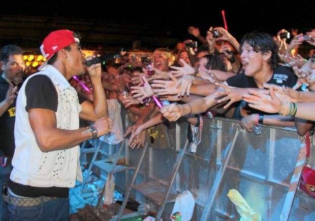 Micael Borges em show do Rebeldes em Belém (Foto: Wesley Costa/ Ag. News)