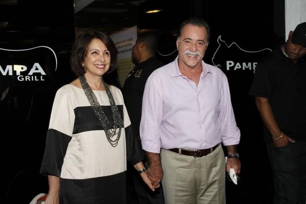 Tony Ramos e a mulher (Foto: Alex Palarea e Roberto Filho / AgNews)
