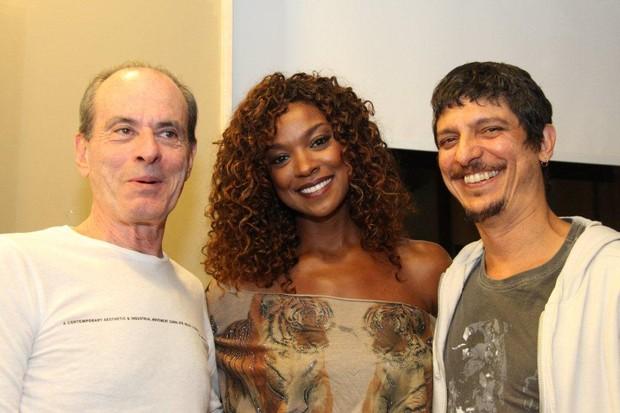 Ney Matogrosso, Cris Vianna e Pedro Luís em show no Rio (Foto: Onofre Veras/ Ag. News)