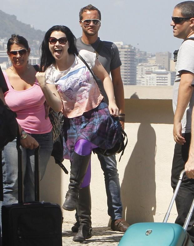 Amy Lee, vocalista do Evanescence' na sacada de hotel no Rio de Janeiro (Foto: Delson Silva/AgNews)