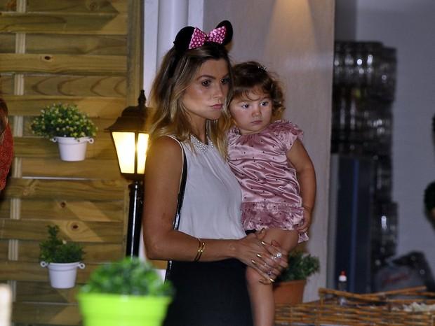 Flávia Alessandra com a filha Olívia (Foto: Roberto Teixeira / EGO)