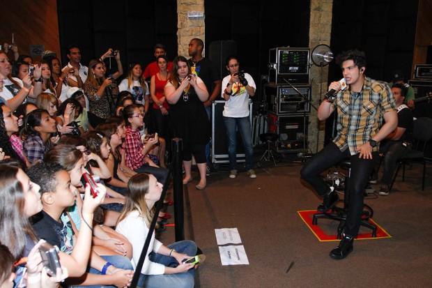 Luan Santana grava programa em São Paulo (Foto: Thais Aline e Danilo Carvalho / AgNews)