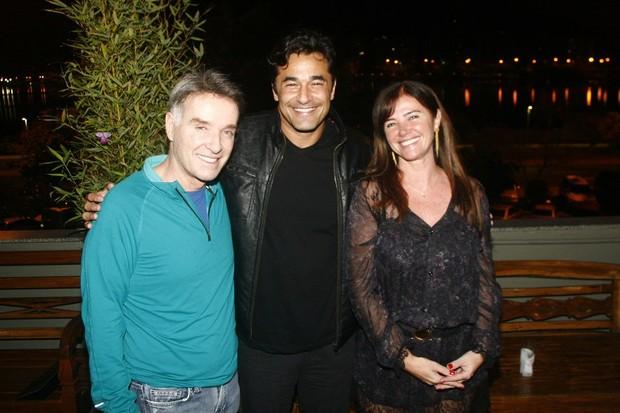 Eike e Luma posam com Luciano Szafir (Foto: Rogério Domingues / Rogério Produções)