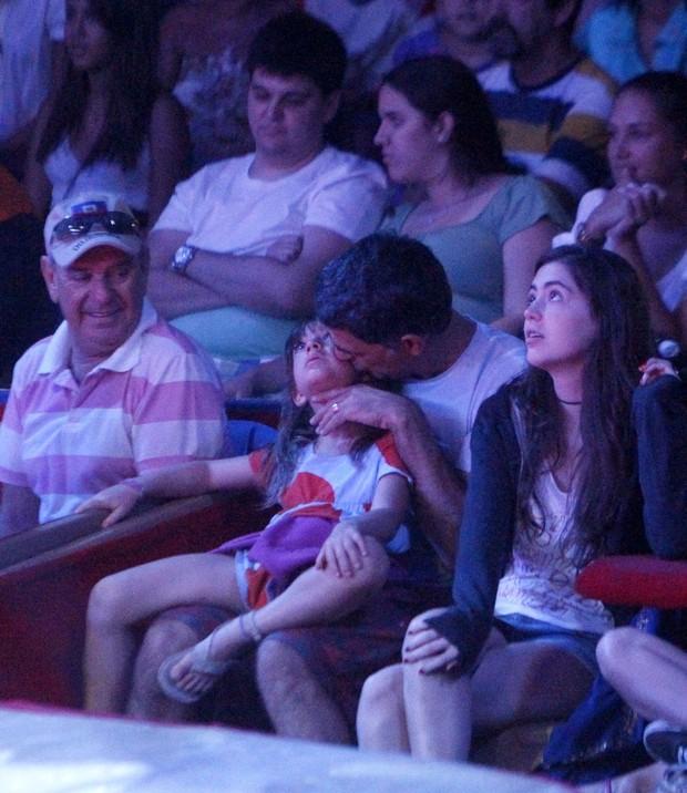 Eduardo Moscovis com filha (Foto: Delson Silva/Ag. News)