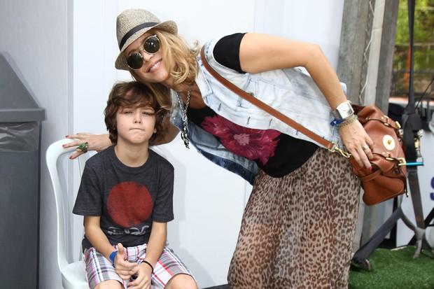 Christine Fernandes com o filho (Foto: Manuela Scarpa / Foto Rio News)