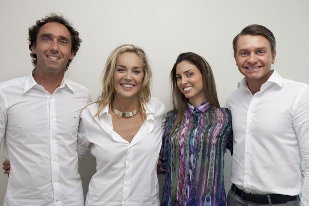 O públicitário Eduardo Zilinsky, Sharon Stone, Tamy Graciola e o marido, Jean Graciola (Foto: Gilson de Rezende/ Divulgação)