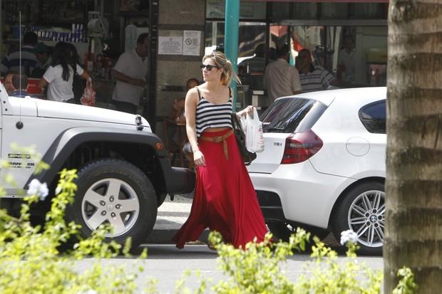 Giovanna Ewbank e Bruno Gagliasso nas ruas do Leblon (Foto: Delson Silva/AgNews)